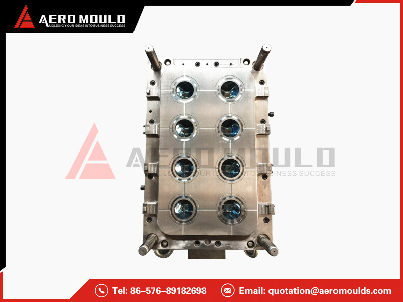 Spray cap mould